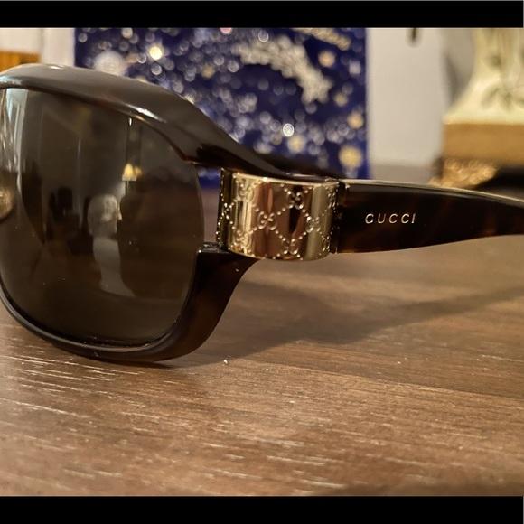 Gucci Singlasses